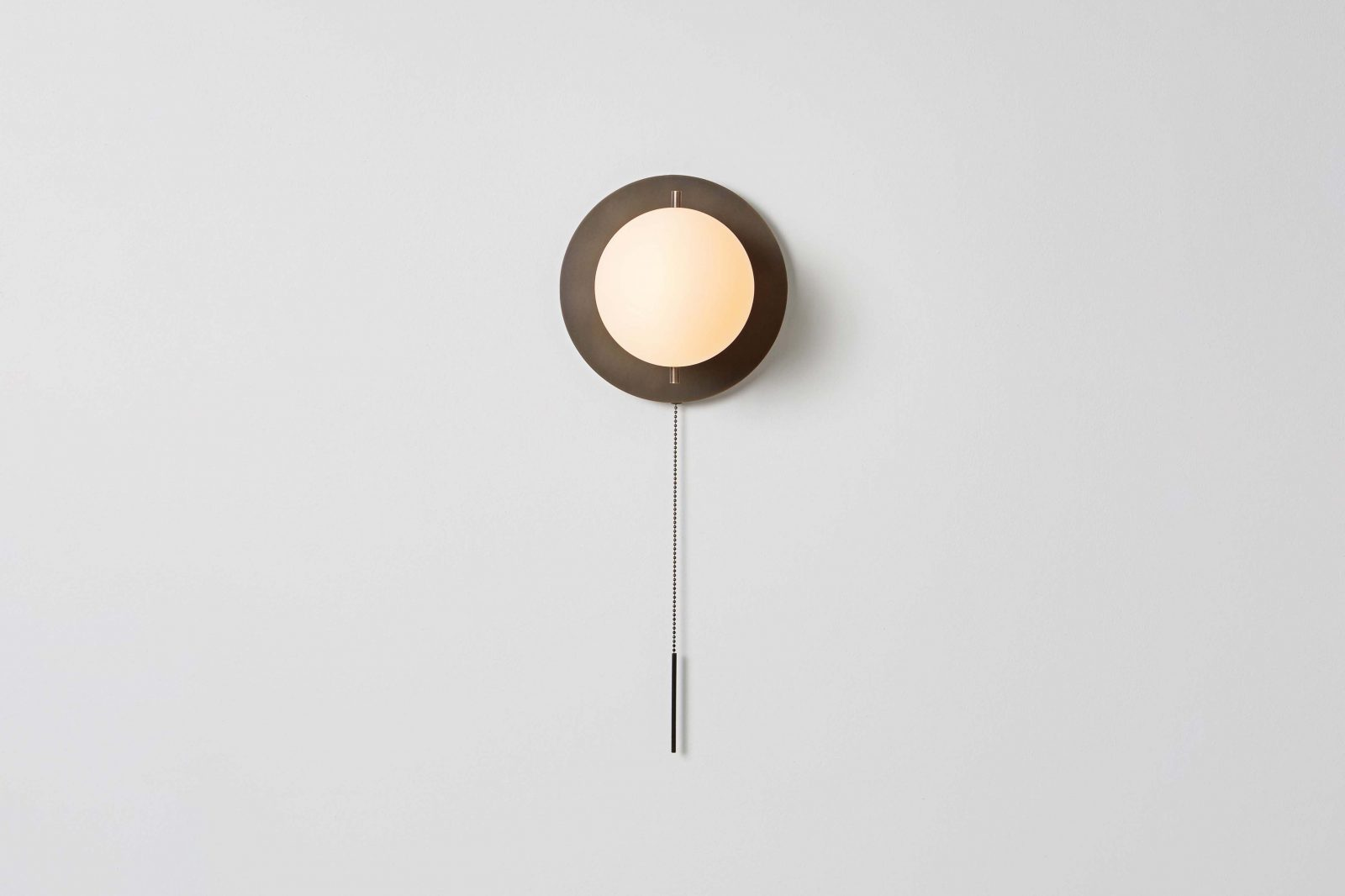 Signal Sconce_Bronze_Front_On