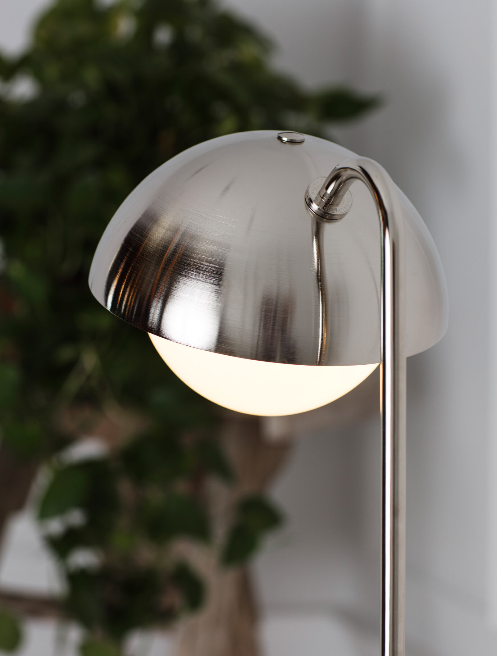 TinnappelMetz-allied-maker-Dome-Table-Lamp-02