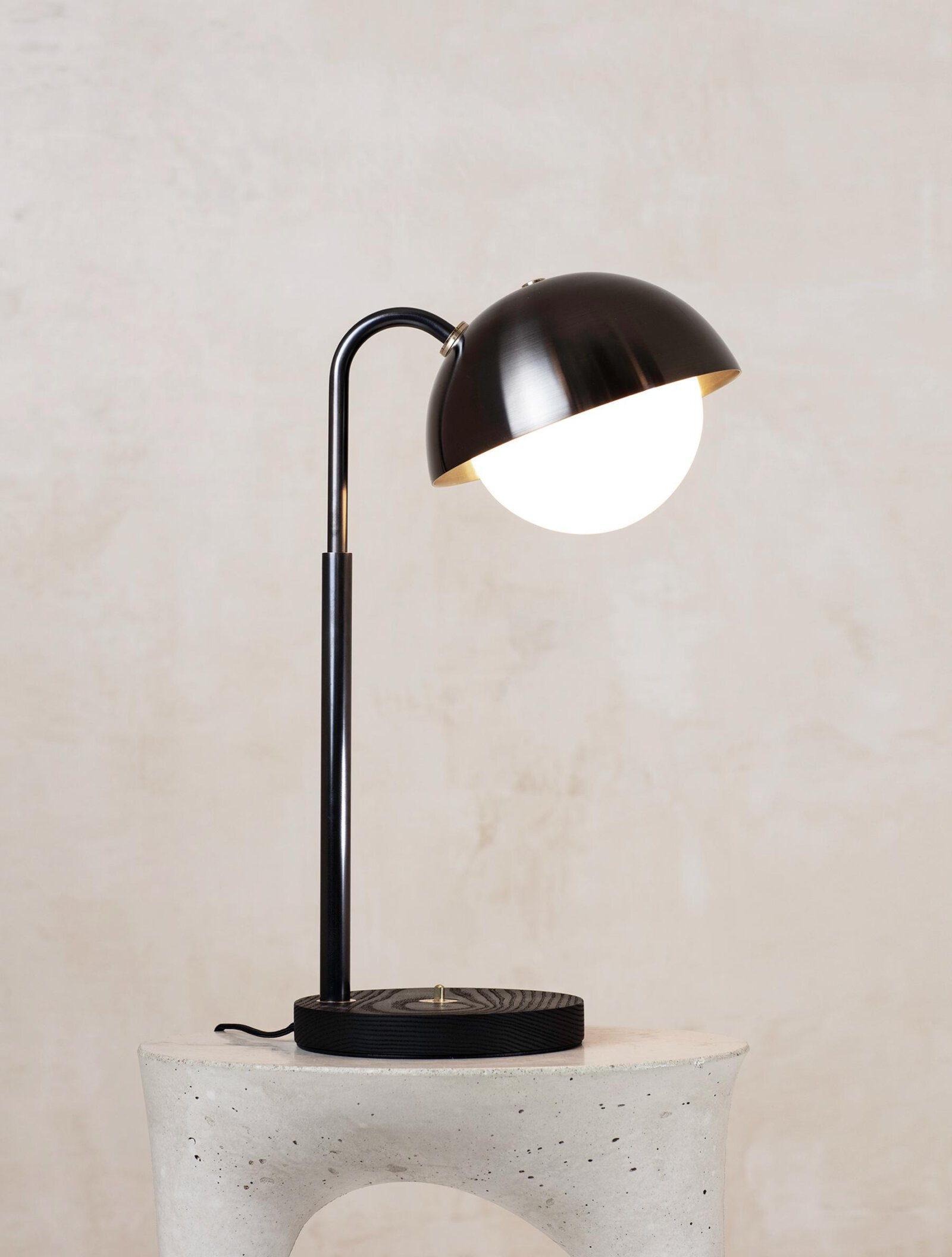 TinnappelMetz-allied-maker-Dome-Table-Lamp-03