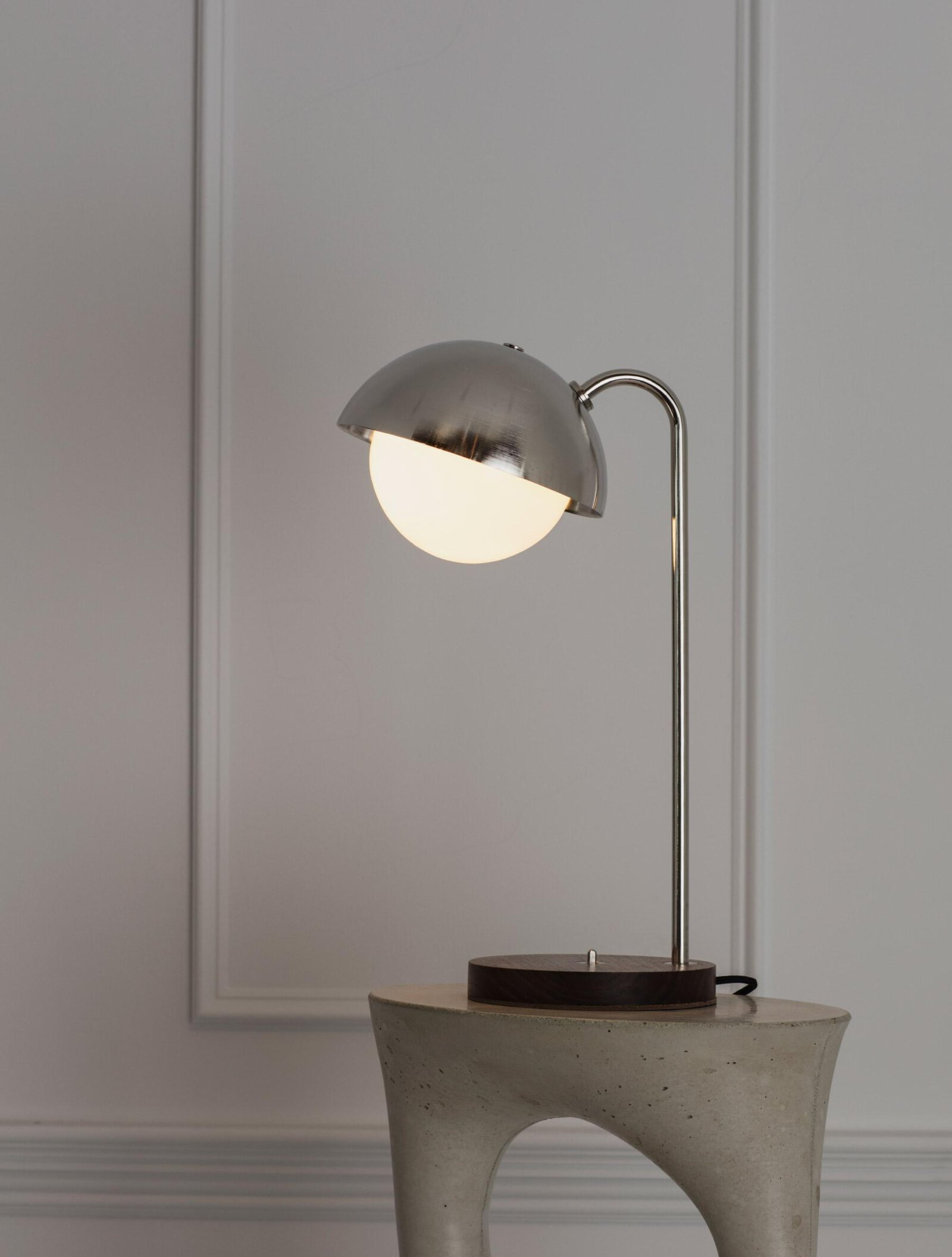 TinnappelMetz-allied-maker-Dome-Table-Lamp-04