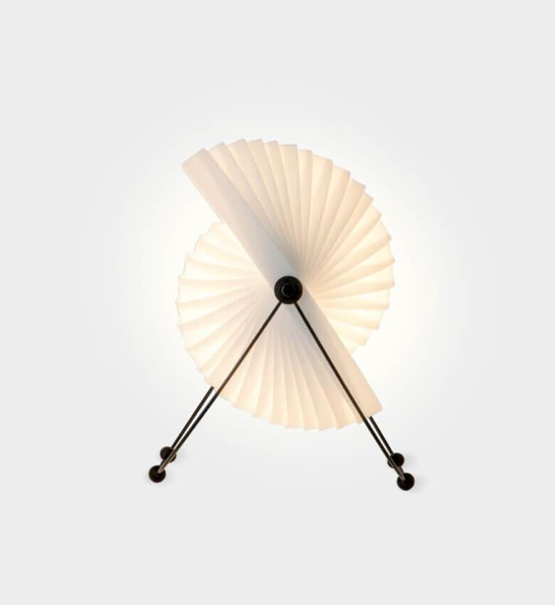 TinnappelMetz-objecto-eclipse-tablelamp-liste