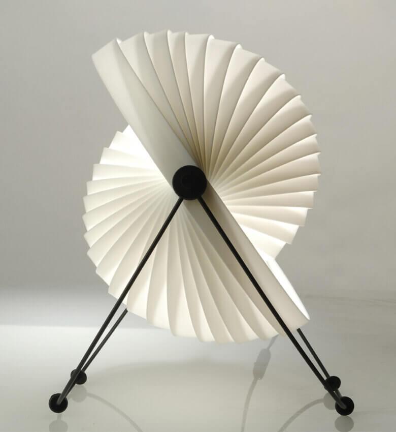 TinnappelMetz-objecto-eclipse-tablelamp-liste-hover