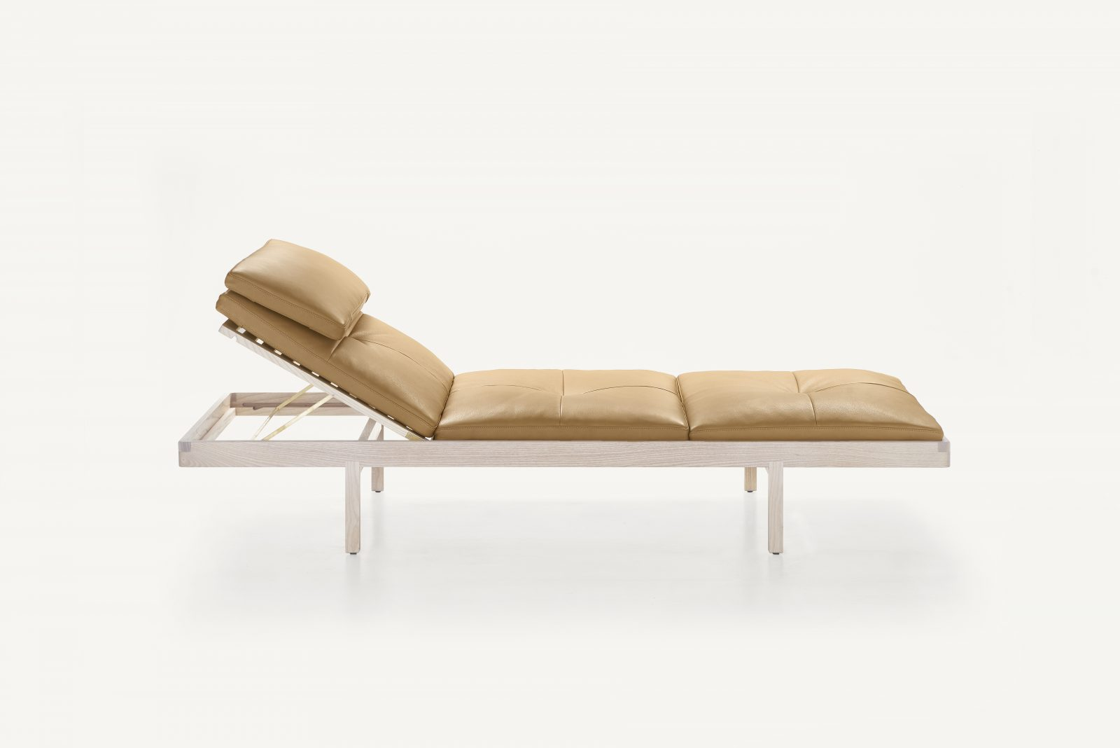 BassamFellows CB-41 Daybed in solid White Ash, credit MARCO FAVALI