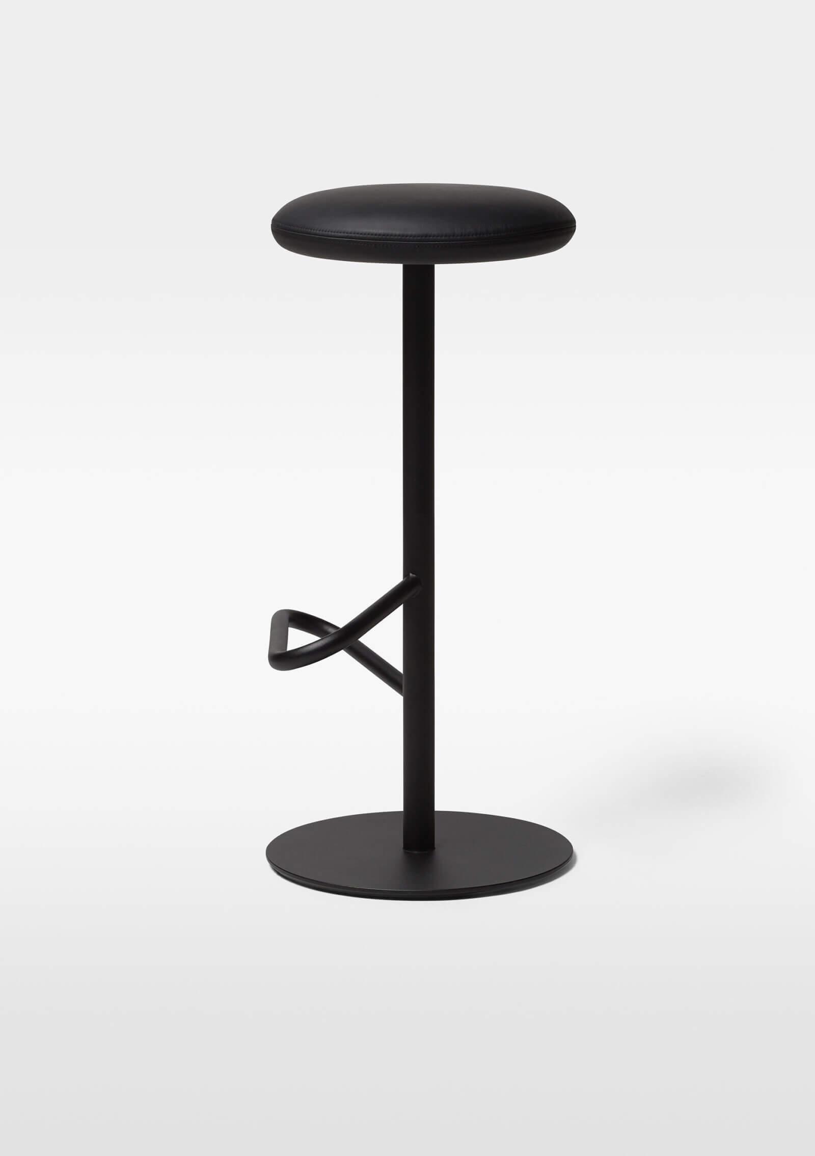 TinnappelMetz-massproductions-odette-bar-stool_01