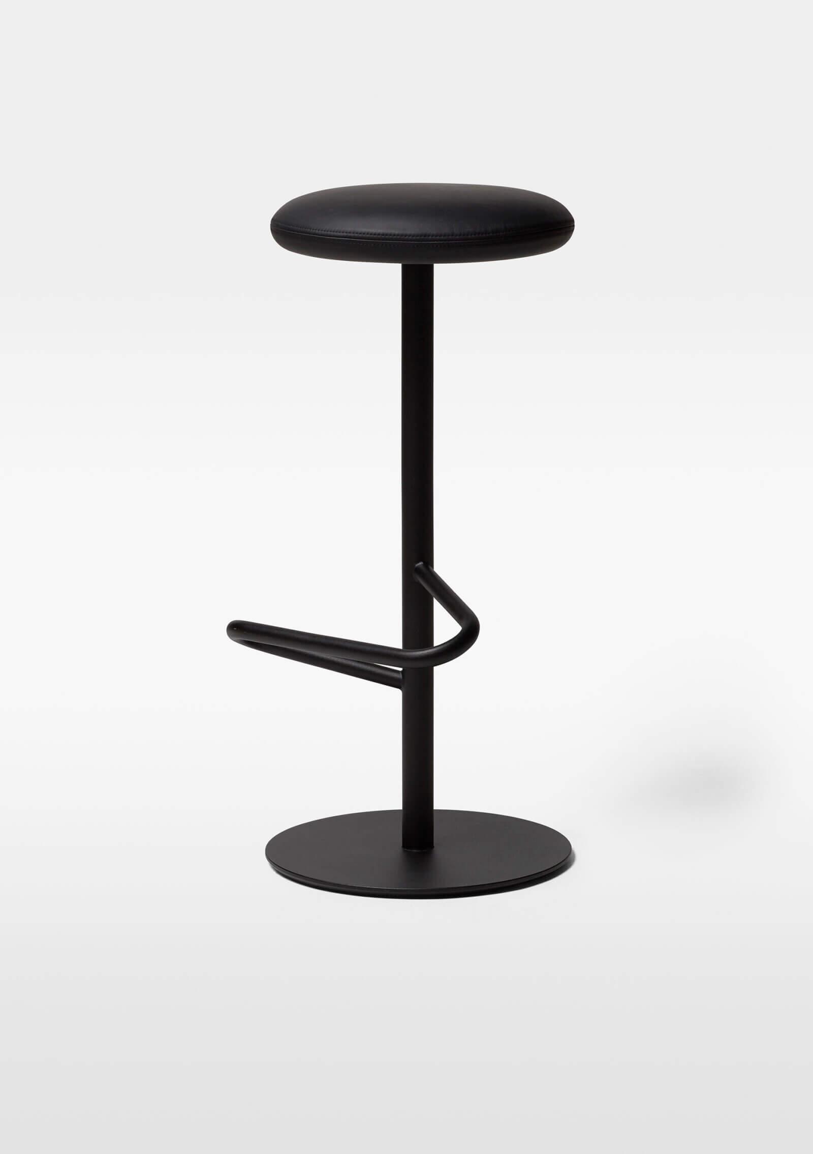 TinnappelMetz-massproductions-odette-bar-stool_02