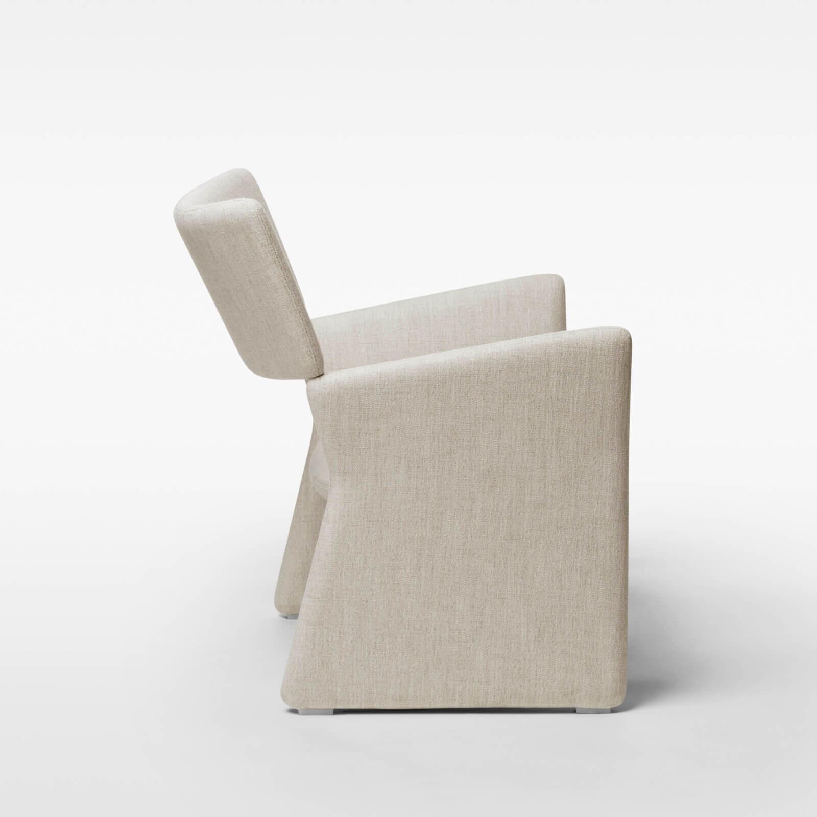 TinnappleMetz-massproductions-crown-armchair_03