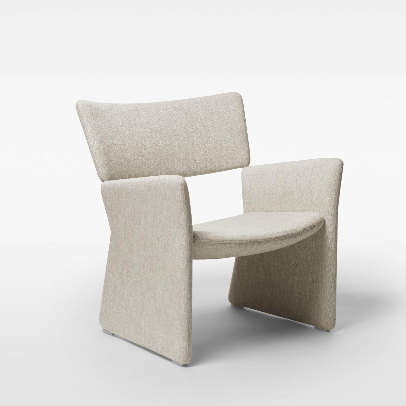 TinnappleMetz-massproductions-crown-armchair_05