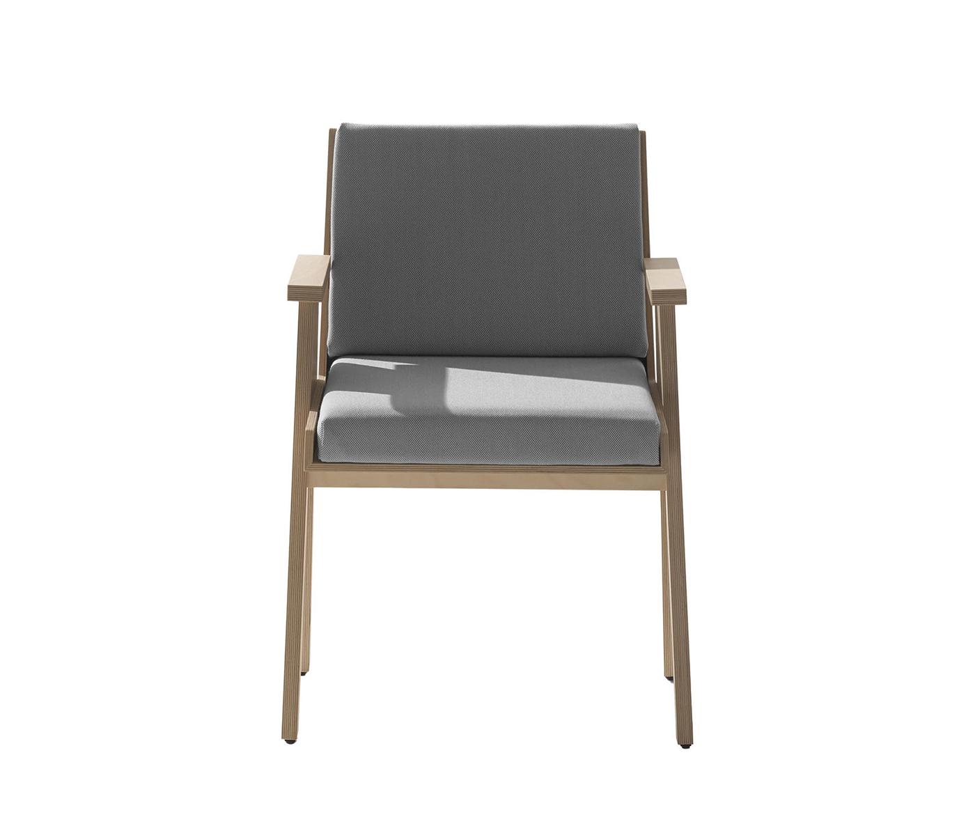 TinnappleMetz-agapecase-mangiarotti-Club-44-Chair_02