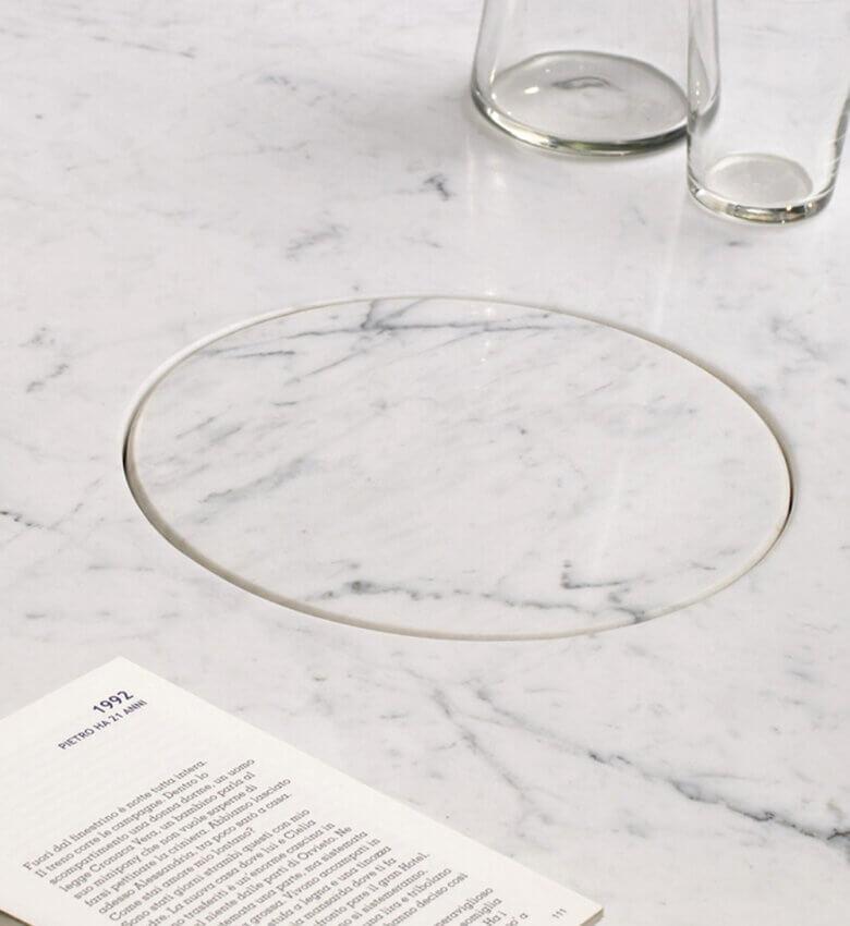 TinnappleMetz-agapecase-mangiarotti-Eros-Round-Side-Table-liste-hover