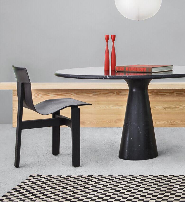 TinnappleMetz-agapecase-mangiarotti-M-Dining-Table-liste-hover