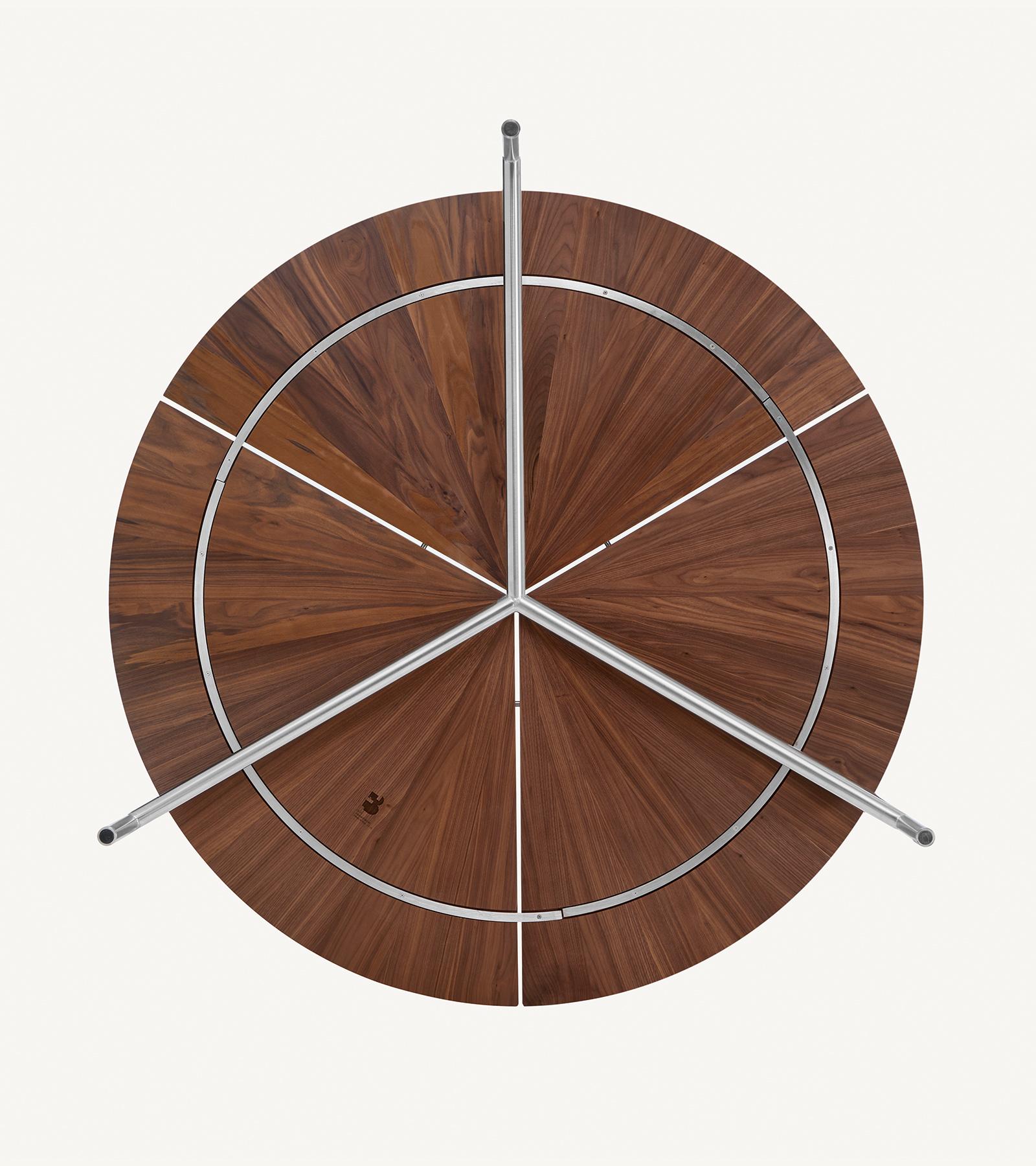 TinnappleMetz-bassamfellows-Circular-Dining-Table-04