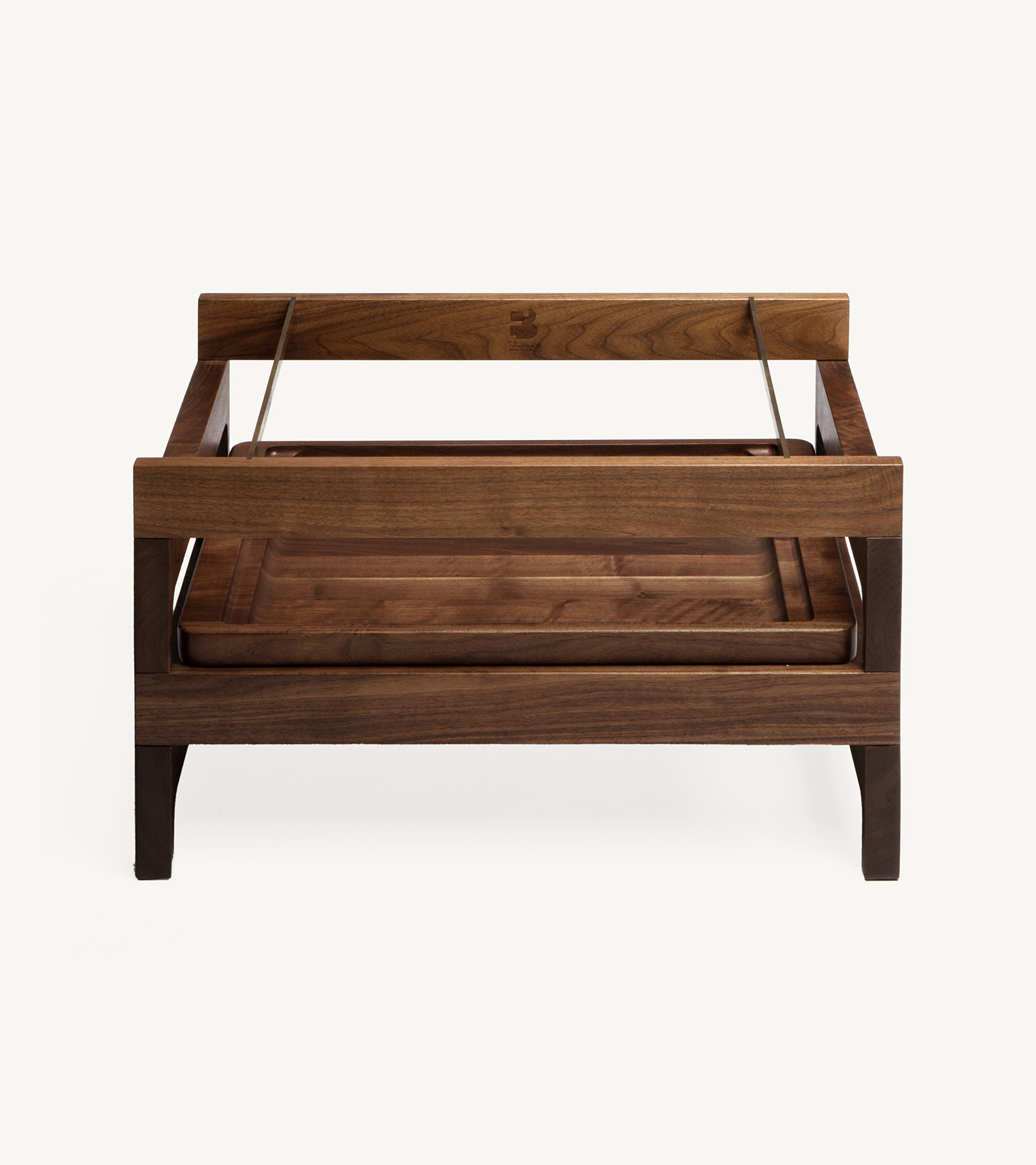 TinnappleMetz-bassamfellows-Tray-Rack-Side-Table-04