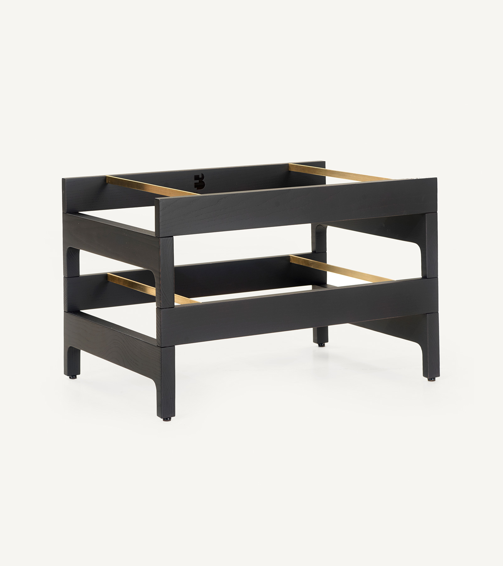 TinnappleMetz-bassamfellows-Tray-Rack-Side-Table-05