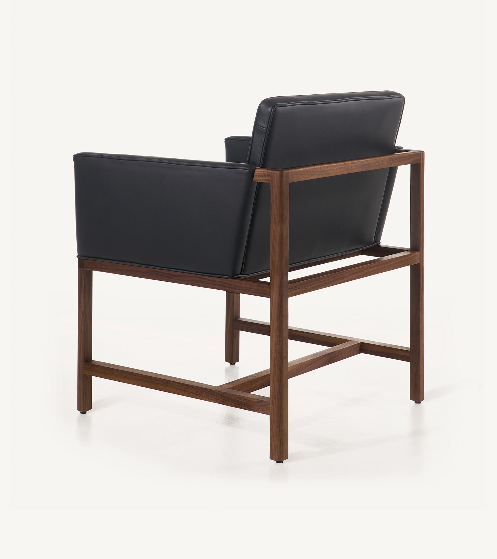 TinnappleMetz-bassamfellows-Wood-Frame-Chair-03