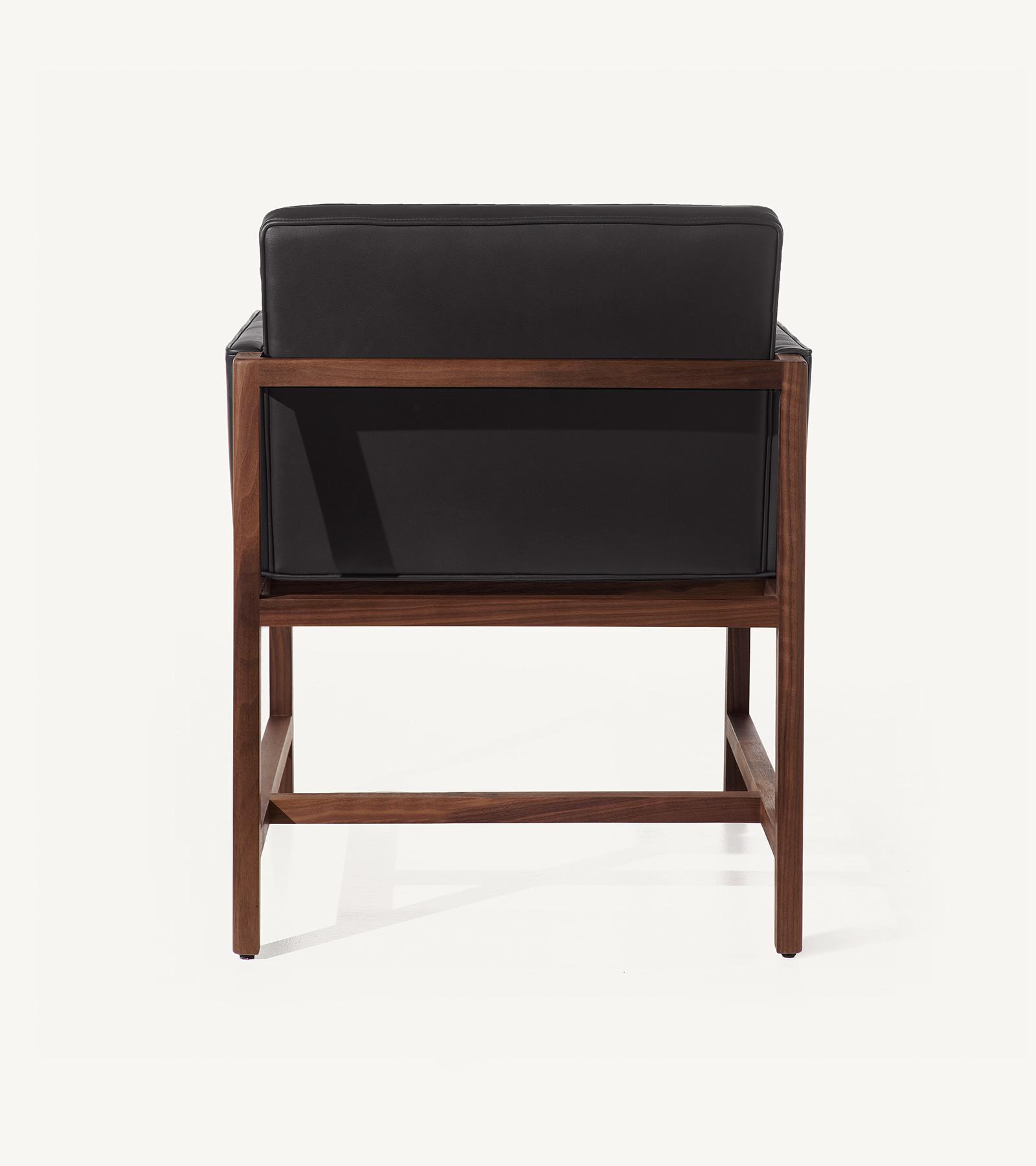TinnappleMetz-bassamfellows-Wood-Frame-Chair-04