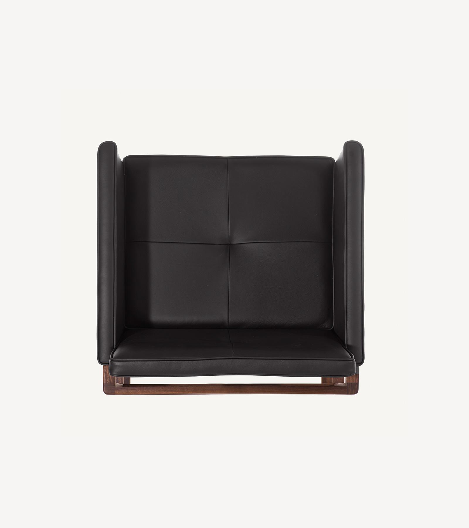 TinnappleMetz-bassamfellows-Wood-Frame-Chair-06