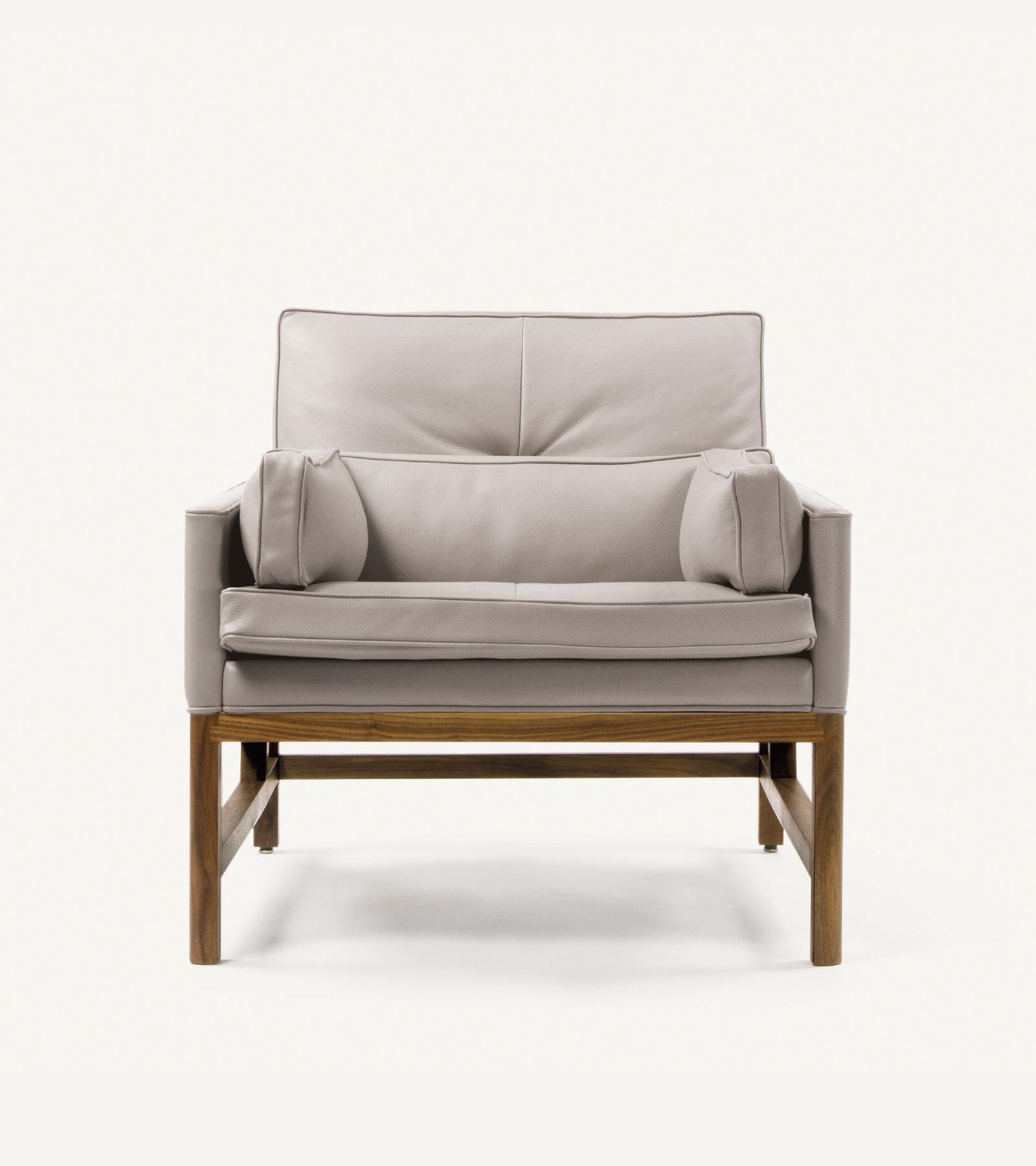 TinnappleMetz-bassamfellows-Wood-Frame-Lounge-Chair-02