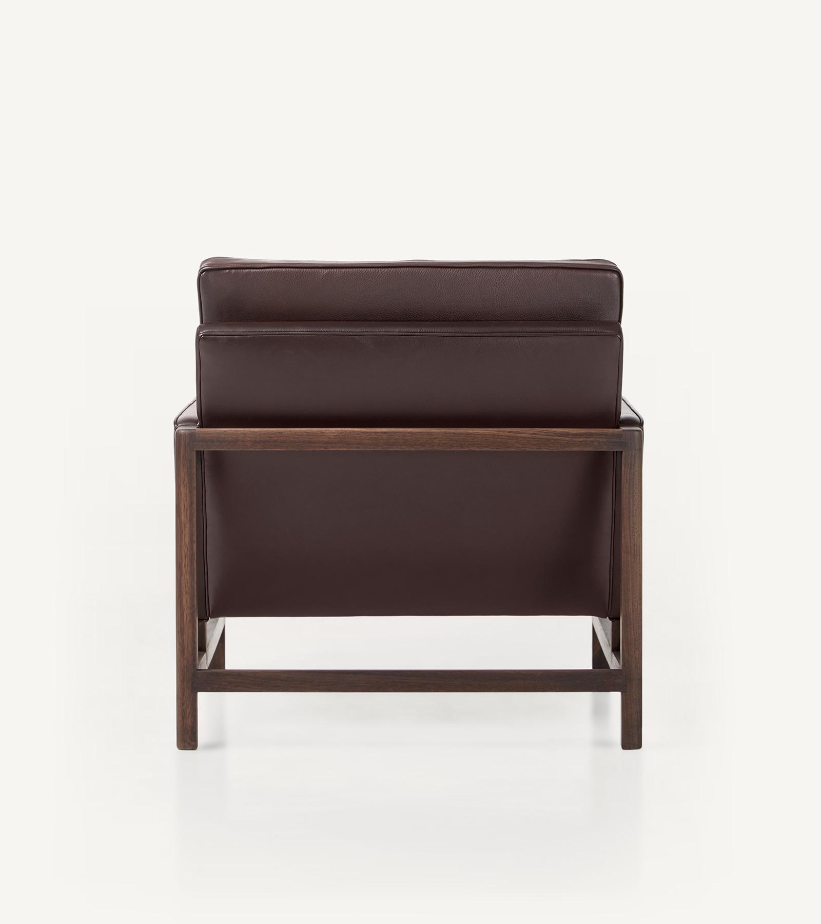 TinnappleMetz-bassamfellows-Wood-Frame-Lounge-Chair-04