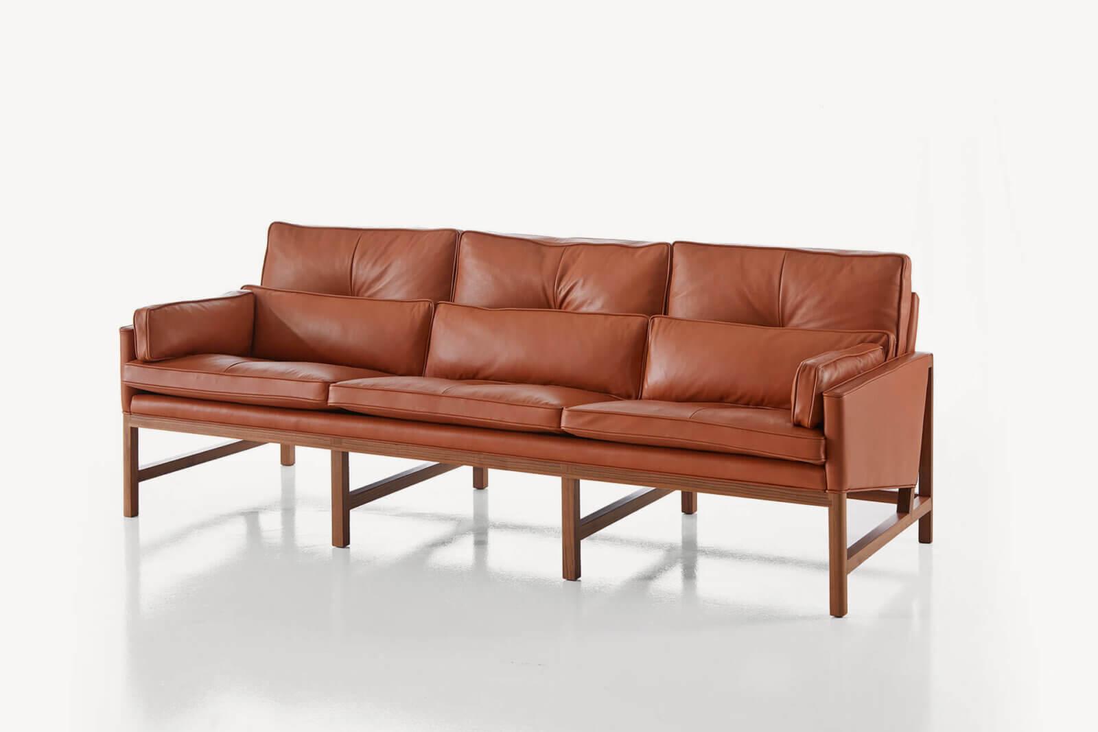 TinnappleMetz-bassamfellows-Wood-Frame-Sofa-01