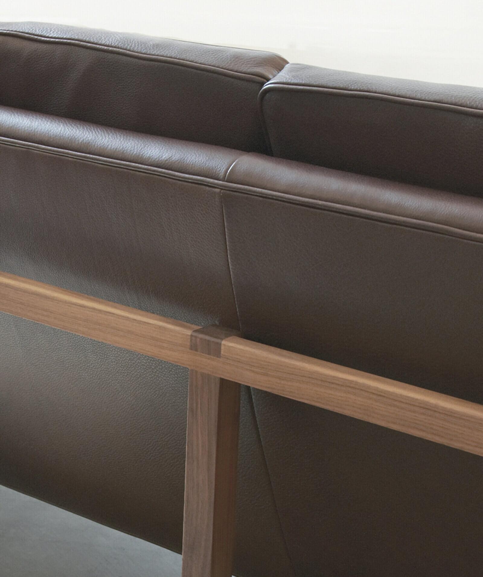 TinnappleMetz-bassamfellows-Wood-Frame-Sofa-03