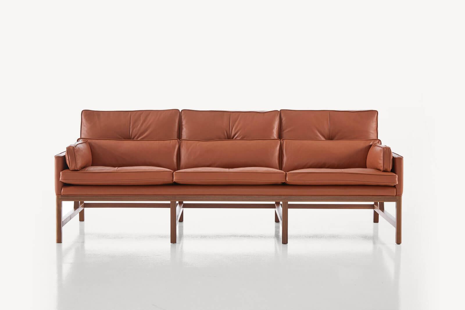 TinnappleMetz-bassamfellows-Wood-Frame-Sofa-04