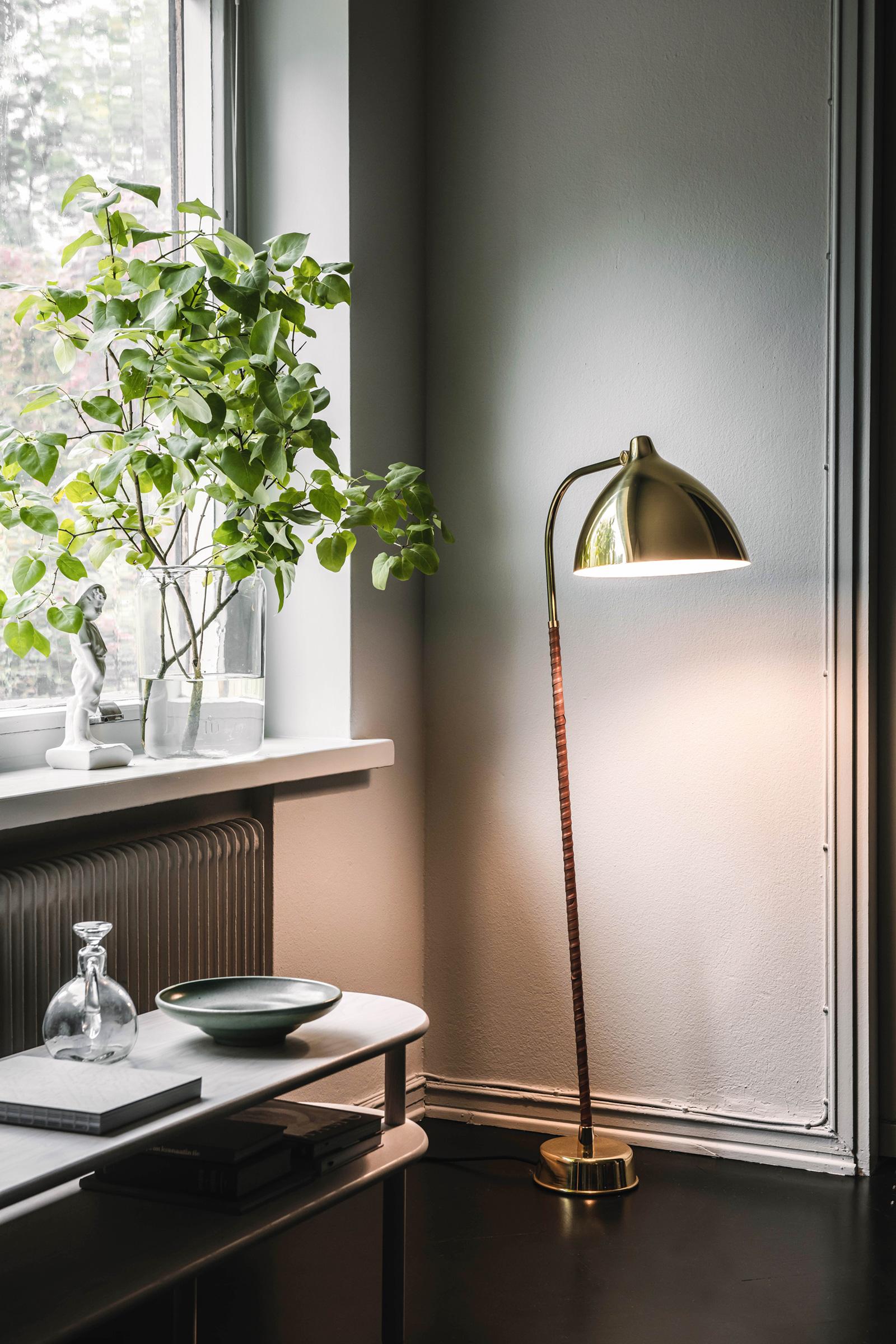 TinnappleMetz-Innolux-Lisa-Floor-Lamp-01