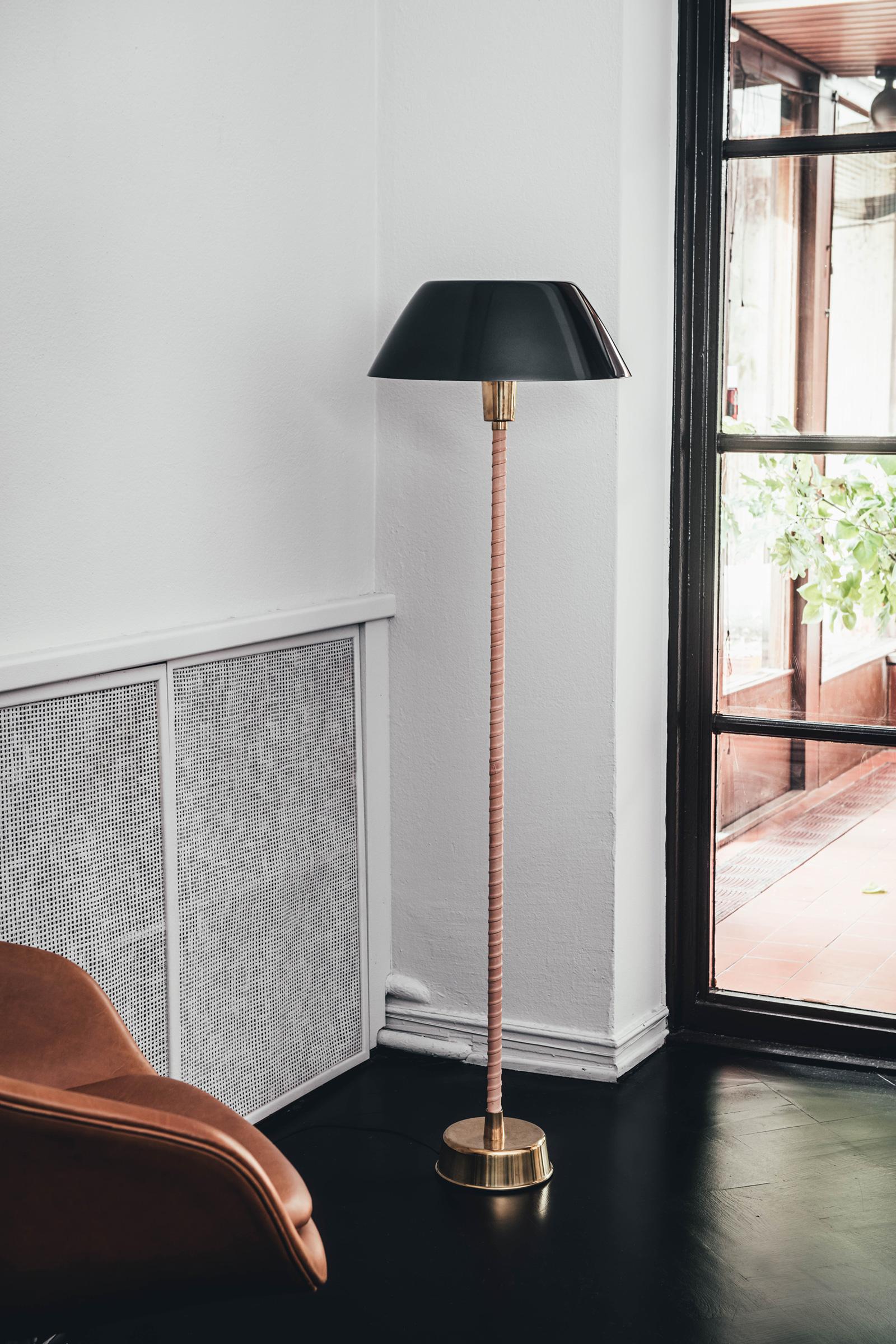 TinnappleMetz-Innolux-Senator-Floor-Lamp-02