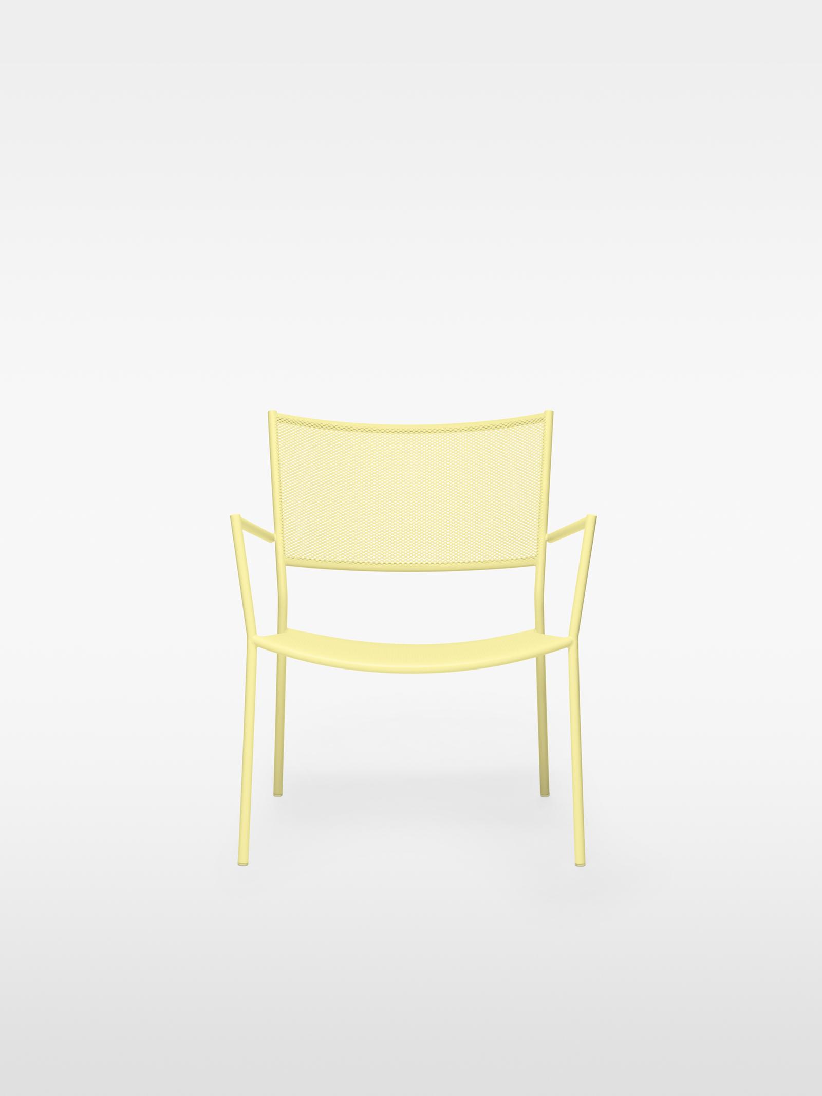 TinnappelMetz-massproductions-Jig-Easy-Chair-2