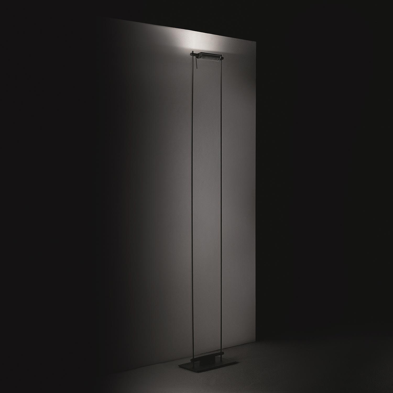 TinnappleMetz-nemo-logo-floor-lamp-01